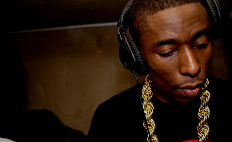 Here's a new 9th Wonder joint that brings some of that 80s funk, along with a vocoder (not to be confused with autotune), and features by Terrace Martin and Phonte. You'll also find a link to a 9th Wonder-inspired playlist. Check out One Night.