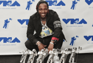 Kendrick Lamar Set The VMAs On Fire & Then He Humbly Won 6 Awards (Video)