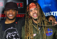 Sway Makes His 5 Fingers Of Death Freestyle Challenge Harder But Dee-1 Keeps The Faith (Video)